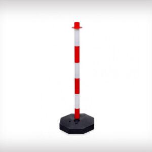 Poste con base rellenable y cadenas para separar y mantener sistancia de seguridad, rojo y blanco